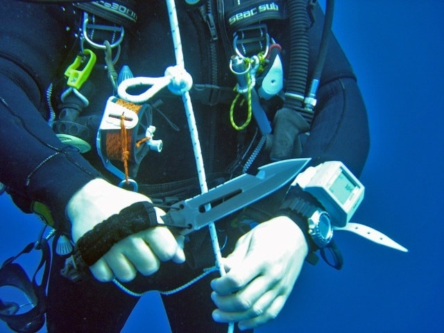 Ultimate Top 10 Best Dive Knives Reviews 2018