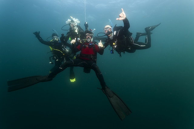 group scuba diving