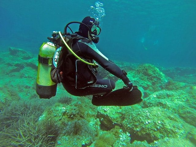 scuba dive control breathing